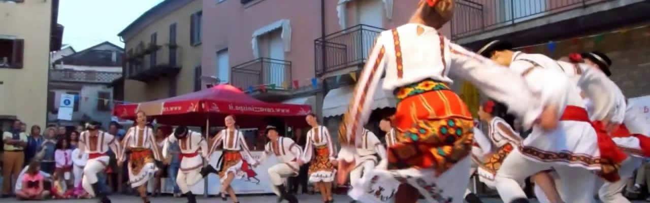 Maßgeschnittene Reisen für folkloristische Gruppen